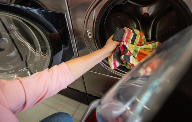dengan mesin cuci